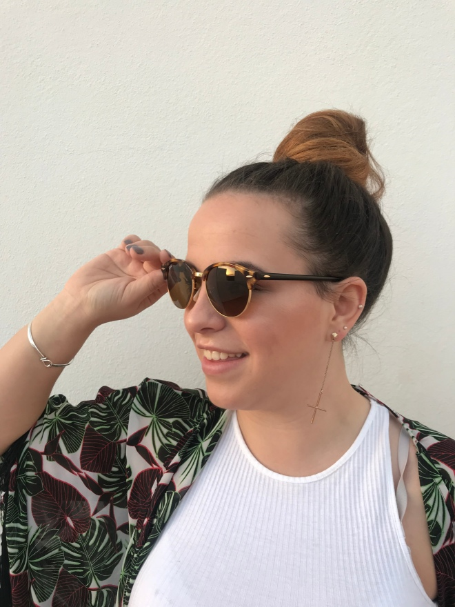 It's Not Me, It's You! Dating, relationship and lifestyle blog. 24 year old